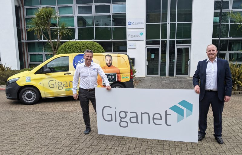 Founder and Chief Sales & Marketing Officer Andrew Skipsey with CEO Jarlath Finnegan